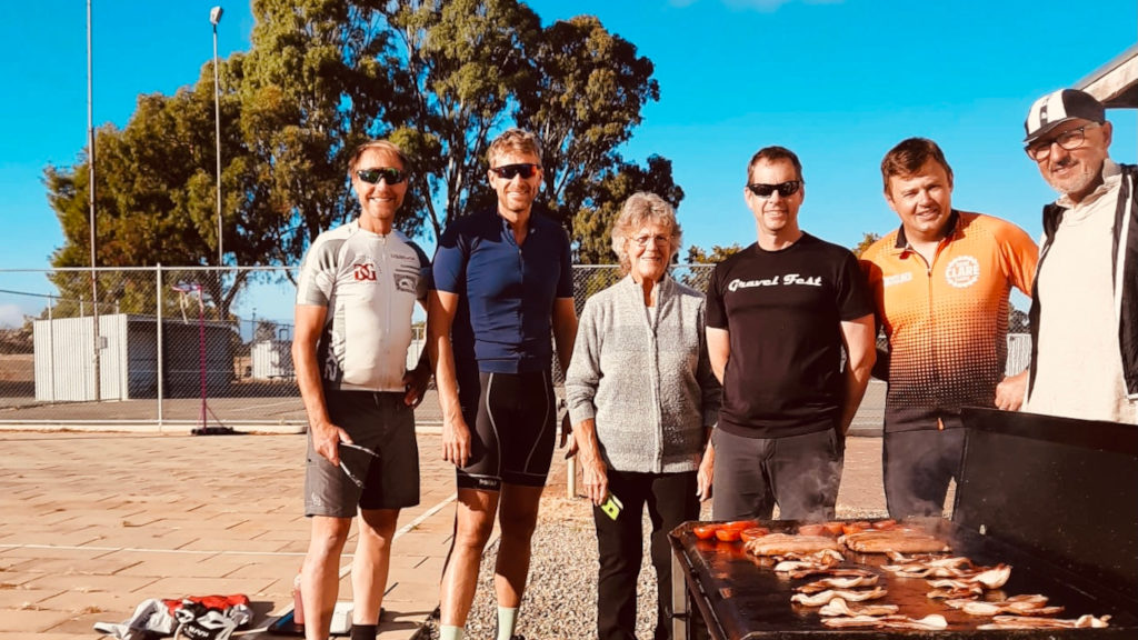 Laine DC Group with Pat Quick at Manoora - M2C First Group to Ride - Sth to North April 2021